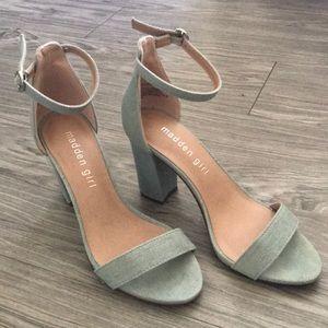 Steve Madden Bella heeled ankle strap sandal 6